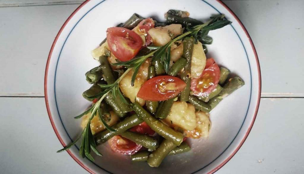 Grüne-Bohnensalat mit Tomaten und Kartoffeln