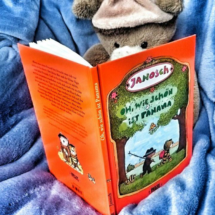 """Teddy liest """"Oh wie schön ist Panama"""" von Janosch"""